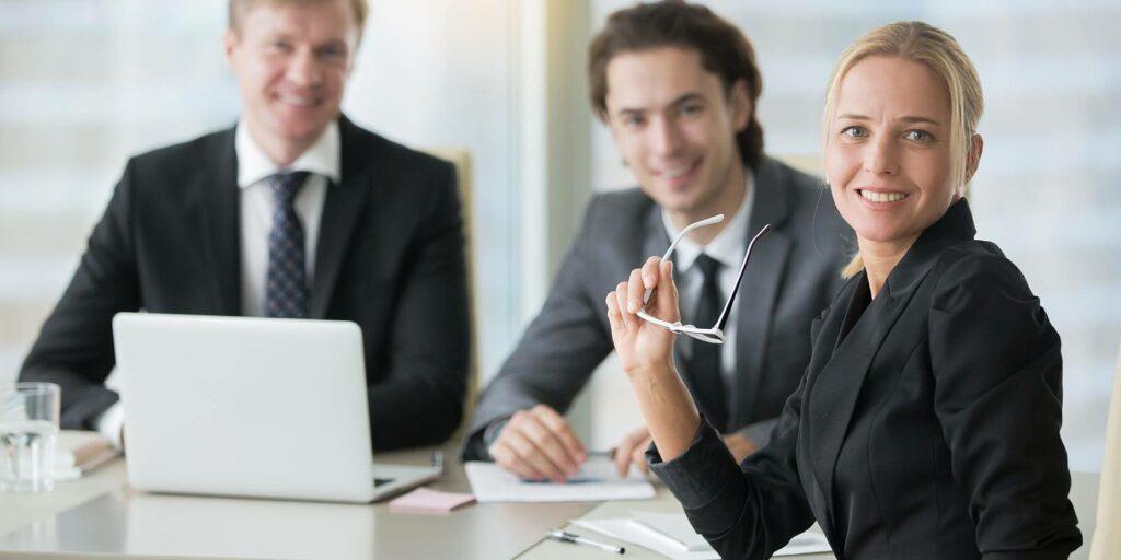 Professional Employer Organization in a meeting a benefits broker