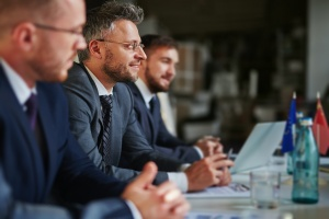 men talking about their companies HR & Payroll Integration